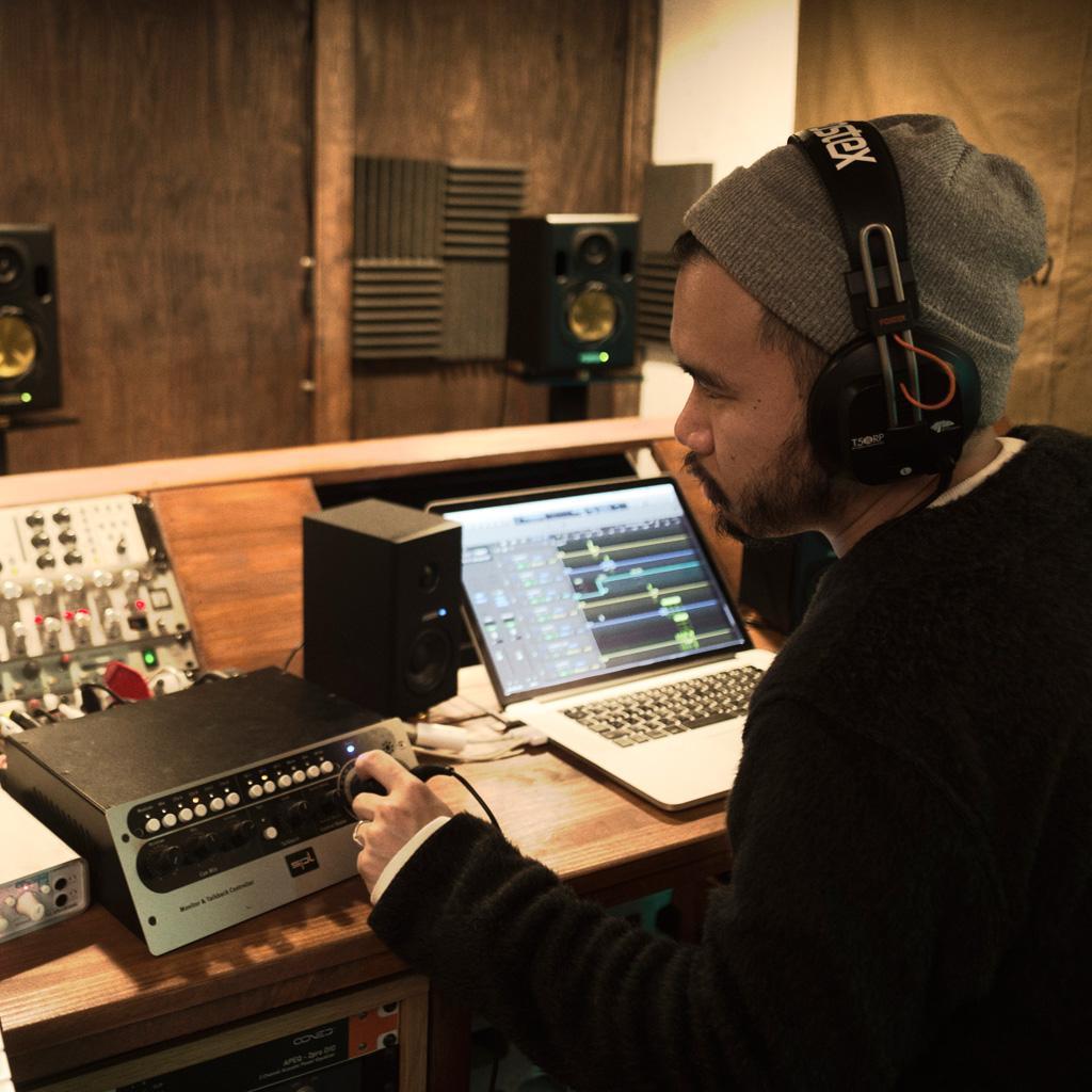 Best bass headphones for studio recording