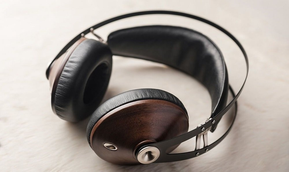 Meze 99 Classics over-ear headphones with the best bass