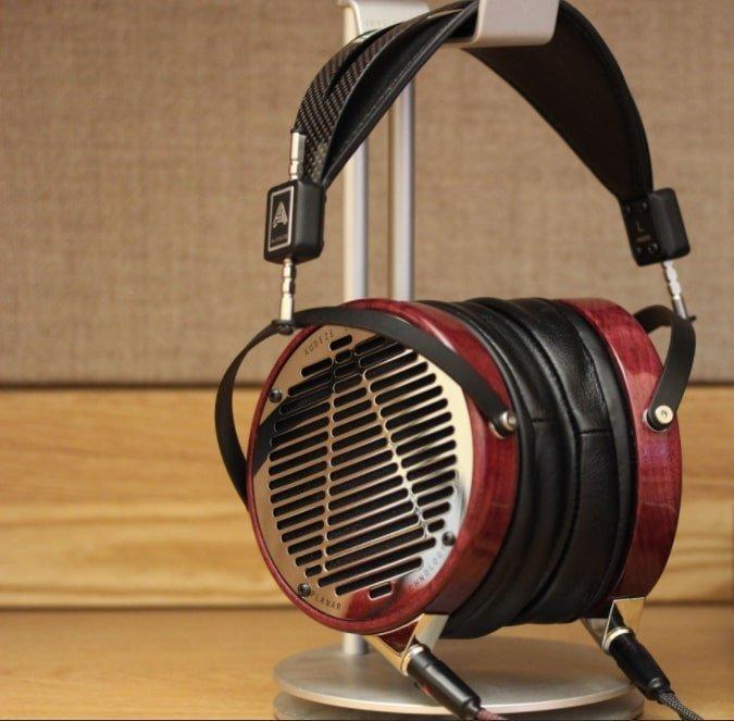 Best Audeze Headphones LCD4 Design & Comfort Review