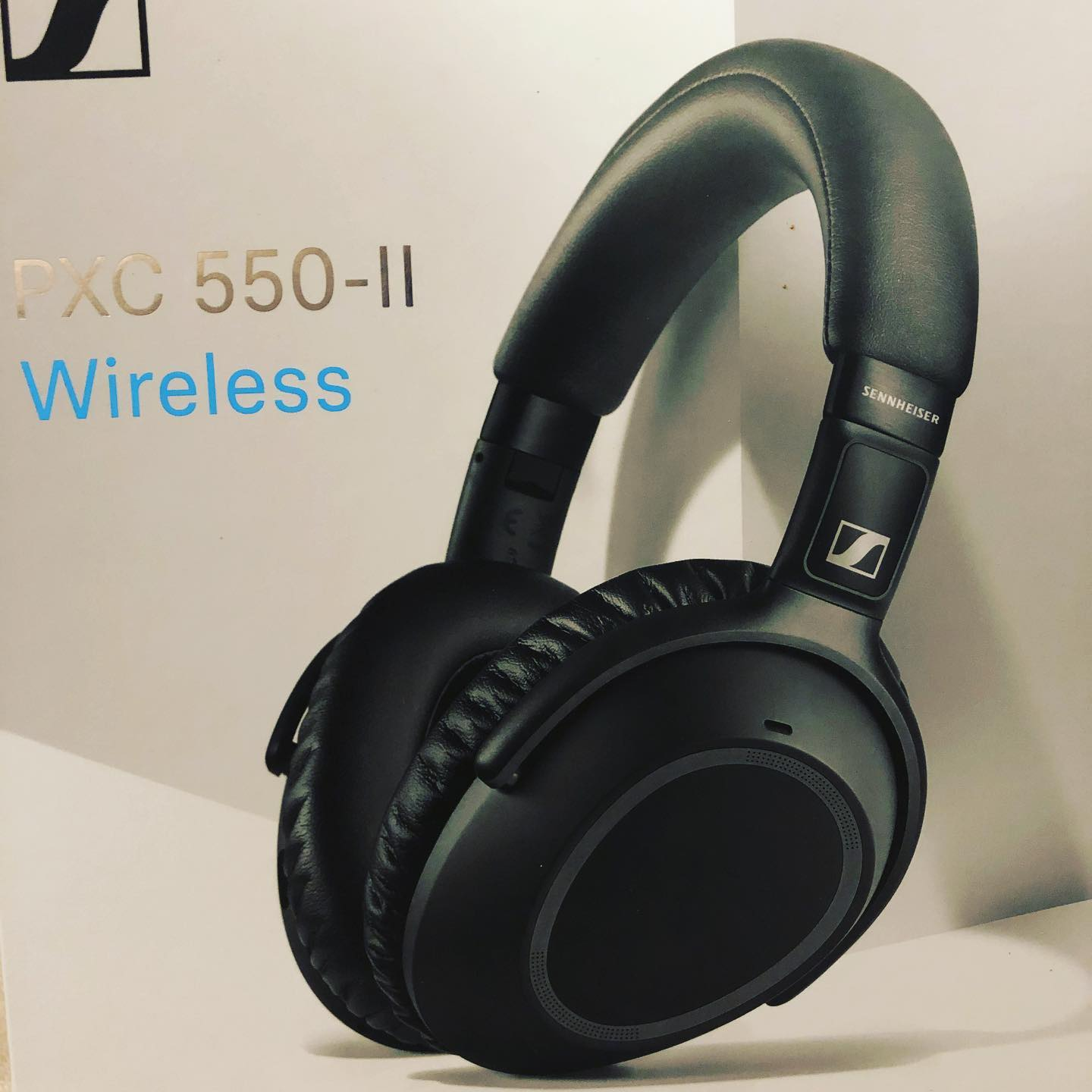 Sennheiser PXC 550 II Wireless – NoiseGard Adaptive Noise Cancelling Bluetooth Headphone with Touch